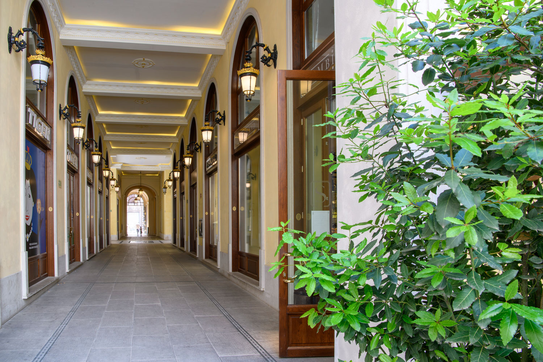 Palazzo Busetti galleria commerciale