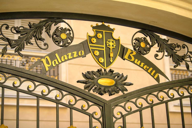 Palazzo Bussetti cancello residenze